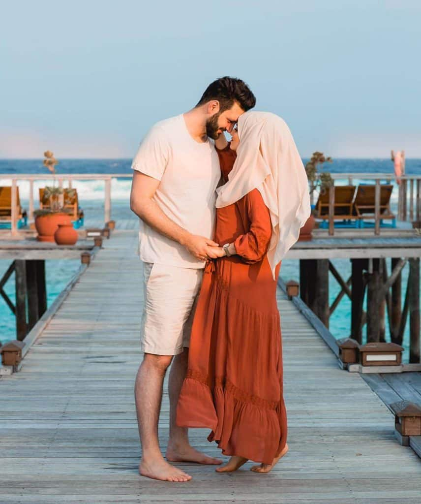 Honeymoon orange outfit