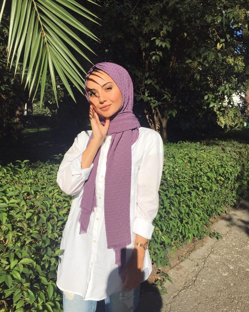 purple hijab